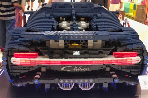 Fits the lego bugatti chiron set perfectly. LEGO Technic Bugatti Chiron 42083: XXL-Modell in Wien | zusammengebaut