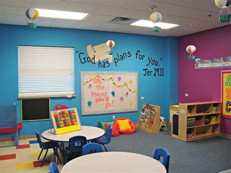 bright preschool classroom including air balloons and 290 | 9e7edac2cb2ed213105c744fb258e316