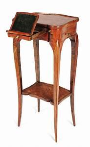Petite Table En Bois : petite table de salon en bois de violette bois de rose et amarante ouvrant deux petits ~ Teatrodelosmanantiales.com Idées de Décoration