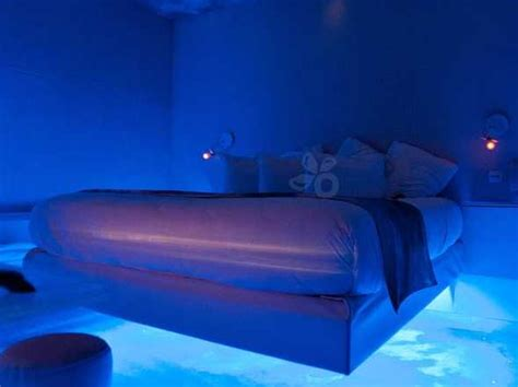 The Sexiest Hotel Bed In The World