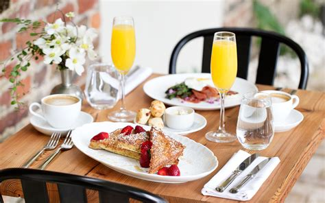 Best Brunches Around the World for Mother's Day