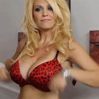Flash Boob Underboobandmore Tit Cougar Forums Tits
