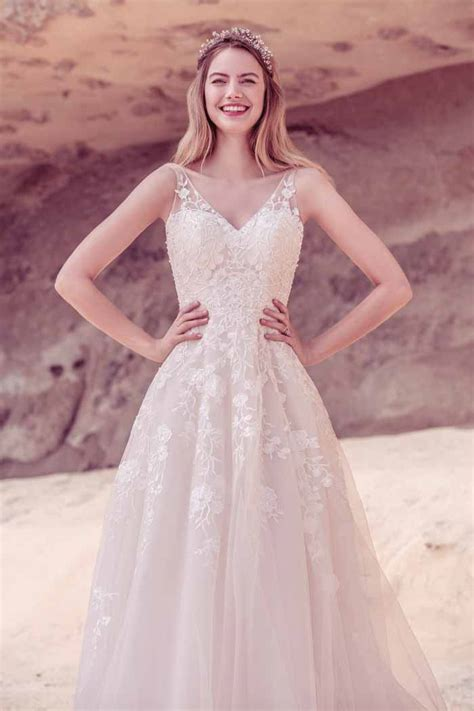 Beautiful Bridal Gowns For Aw16
