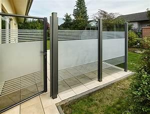 Teiltransparente Glaslsung Als Wind Und Sichtschutz