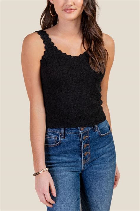 Cropped Scalloped Tank Top Black M scalloped edge cropped tank top s