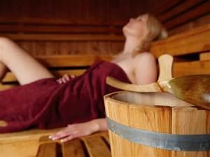 Saunaaufguss Selber Machen : 5 no gos mit denen sie sich in der sauna garantiert unbeliebt machen eat smarter ~ Watch28wear.com Haus und Dekorationen