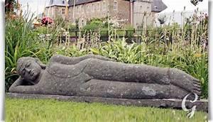 Buddha Figur Bedeutung : naturstein buddha liegend priya ~ Buech-reservation.com Haus und Dekorationen