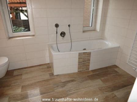 Kleines Bad Holzfliesen by Bad Mit Holzfliesen In Holzoptik Badezimmer Bathroom