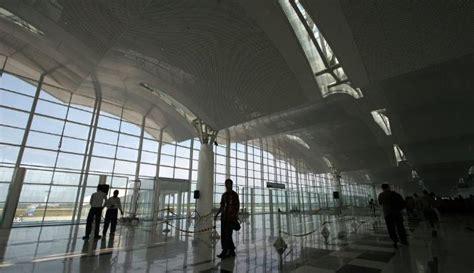 foto foto bandara kuala namu medan  kolor superman
