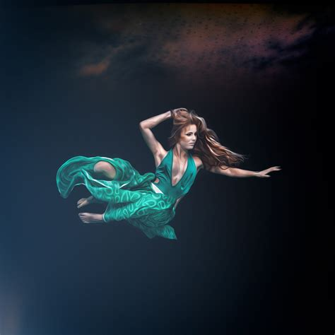 Fine Art Underwater Portrait Photo  Photographer Anhede