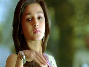 Alia Bhatt In Student of the Year - HD WALLPAPERS