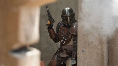 Baby Yoda is back: Disney+ debuts new 'Mandalorian ...
