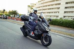 Honda Forza 125 2018 : honda forza 125 2018 nuovo restyling per l apprezzato ~ Melissatoandfro.com Idées de Décoration