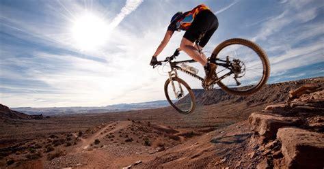 The 10 Best Mountain Bike Shoes For Men & Women (2017 Review