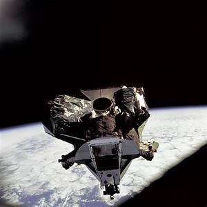 Apollo 9 Shot from Earth orbit. Lunar Module 'Spider ...