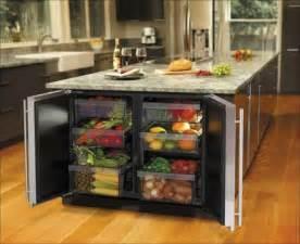 mini frigo chambre la cuisine avec îlot central idées de décoration et