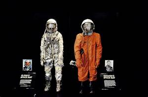 Space suits | Yuri Gagarin - A Graphic Novel