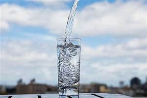 What You Should Know About Drinking Water  But Probably Don U0026 39 T