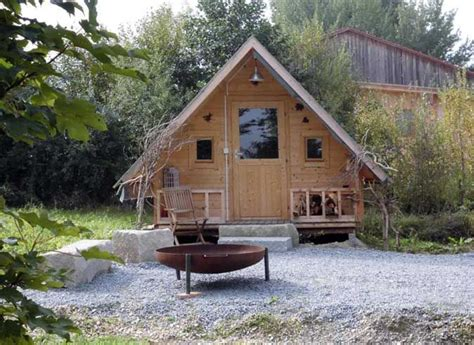 Einfamilienhaus Gemuetliches Blockhaus by Das Gartenhaus Als Schutzh 252 Tte Hostel Und Co Die