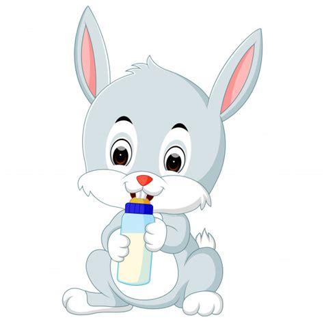 Conejito de dibujos animados lindo con leche de botella