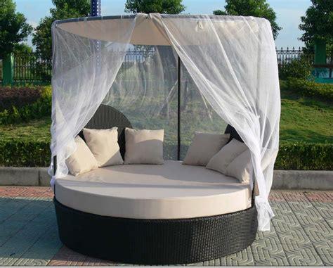 canape rond exterieur rotin jardin canapé lit extérieur rond en rotin daybed