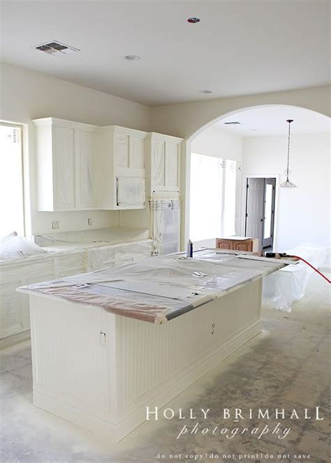 kitchen cabinet spraying spray painted cabinets i need to read this tutorial 2778