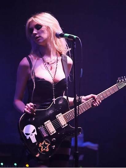 Momsen Taylor Pretty Reckless Guitar Stage Singer