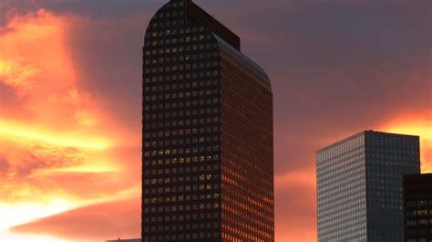 denvers  tallest skyscraper refinanced mile high cre