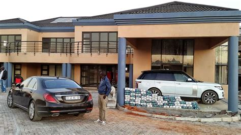 tracy 39 s home building itumeleng khune 2013 and at the car pictures