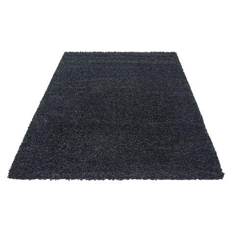 Tapis shaggy moderne tapis design uni en polypropylène VASCO