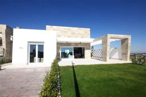 villa moderne a vendre villa moderne au golf la finca a vendre costa blanca bd3d54d7196e5c66191c0ff9e68907a4 jpg