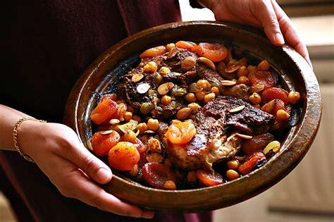 cuisine tajine chicken and dried apricots moroccan tajine nutrizonia