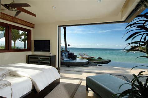 modern tropical bedroom ownby design tropical bedroom hawaii by ownby design Modern Tropical Bedroom