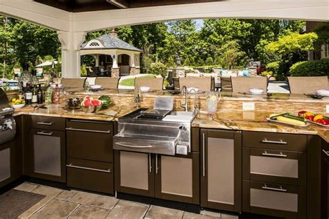 outdoor kitchen countertop ideas  materials
