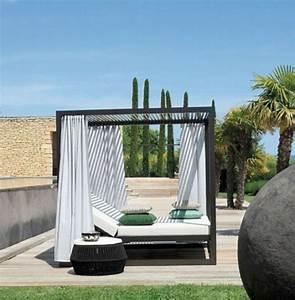 Bett Für Den Garten : outdoor bett f r eine m rchenhafte atmosph re ~ Frokenaadalensverden.com Haus und Dekorationen