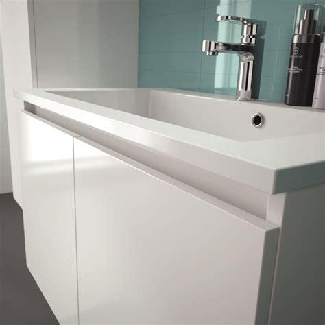 eclairage salle de bain avec prise chaios