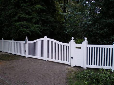 poort inrijpoort hekwerk tuin hout wit hardhouten looppoort farm poorten 1 940x705 farm poorten
