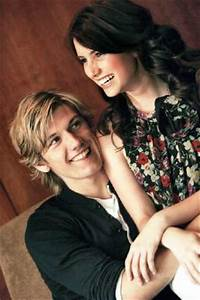 post the best picture of Alex pettyfer and emma roberts ...