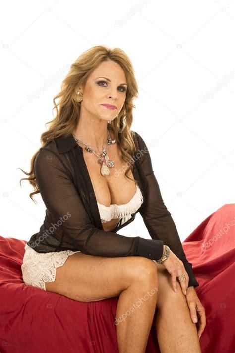 sexy mature woman — stock photo © alanpoulson 60627539