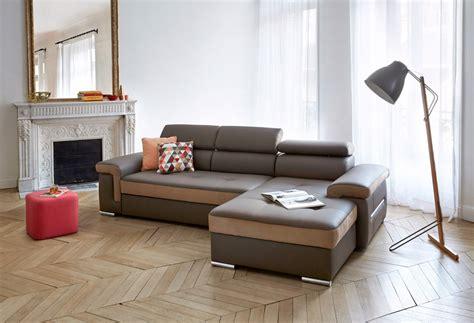 nettoyer cuir canapé comment nettoyer un canapé en cuir astuces et produits