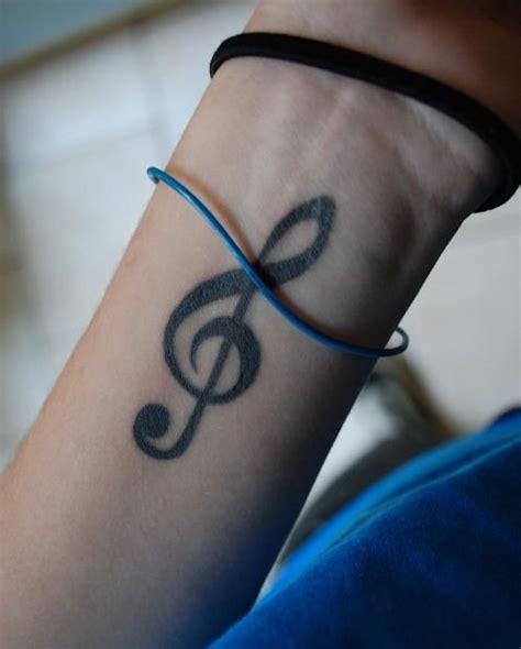idees tatouage cle de sol la musique dans la peau