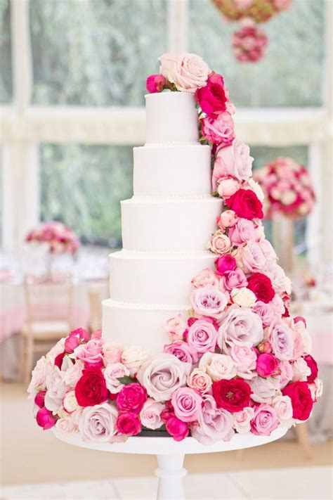 31 Unique and Chic Wedding Cake Designs Summer wedding