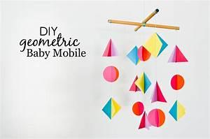 Mobile Baby Diy : diy colorful geometric baby mobile project nursery ~ Buech-reservation.com Haus und Dekorationen
