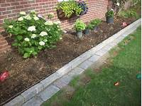 flower bed edging Decor Tips How To Design Charming Landscape Using Pea Gravel Backyard Ideas With Patio And ...