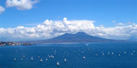 gite  barca  napoli yacht charter napoli capri