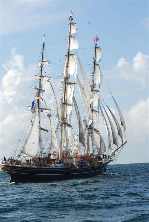 picture sail ship sailboat boat water sea