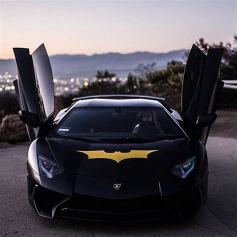 Batman Car Pictures by Best 25 Batman Car Ideas On How To Be Batman
