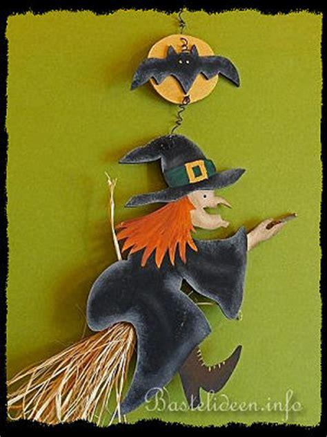 halloween basteln und bastelideen holz hexe und fledermaus