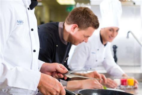 salaire moyen commis de cuisine formation commis de cuisine