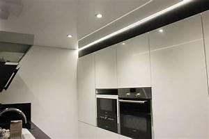 Luminaire Led Plafond : spots led cuisine clairage led indirect u2013 55 ides ~ Edinachiropracticcenter.com Idées de Décoration